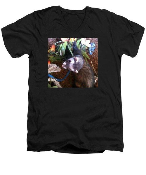 Nicky Wants This Flower Men's V-Neck T-Shirt