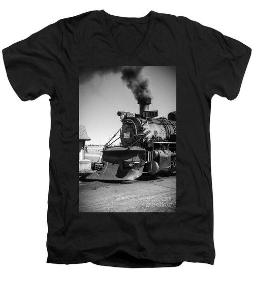 No. 489 Engine Men's V-Neck T-Shirt