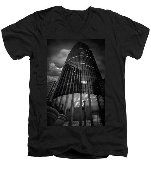 Noir Men's V-Neck T-Shirt
