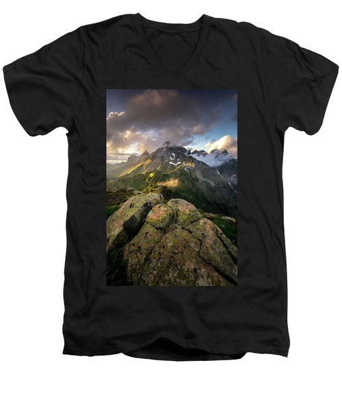 North Cascades National Park Men's V-Neck T-Shirt