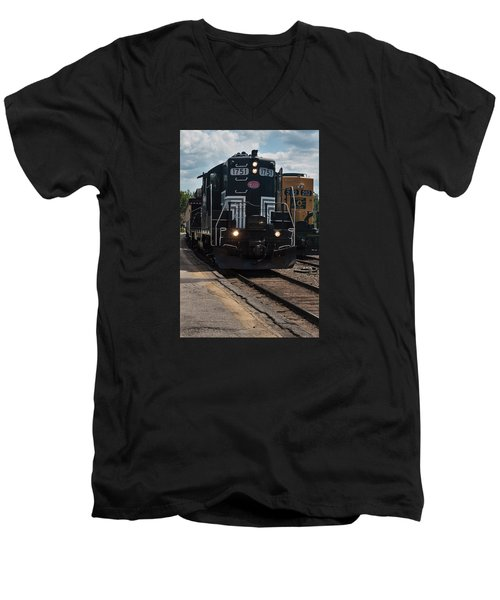 Men's V-Neck T-Shirt featuring the photograph Conway Scenic Railroad - New Hampshire by Suzanne Gaff