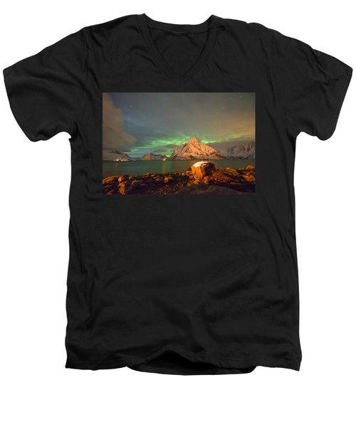 Spectacular Night In Lofoten 3 Men's V-Neck T-Shirt