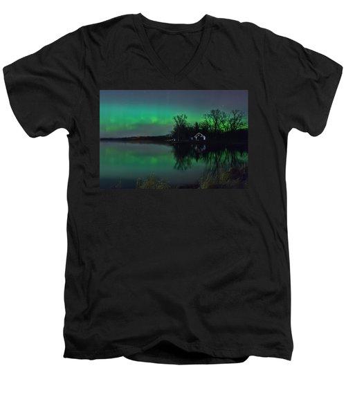 Northern Lights At Gull Lake Men's V-Neck T-Shirt