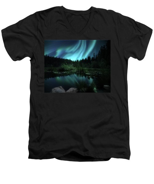 Northern Lights Over Lily Pond Men's V-Neck T-Shirt