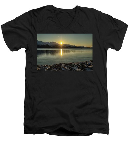 Now That Is A Pretty Picture Men's V-Neck T-Shirt