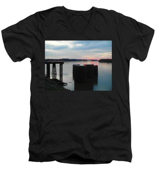 Ohio River View Men's V-Neck T-Shirt
