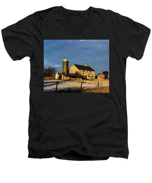 Old Barn 2 Men's V-Neck T-Shirt