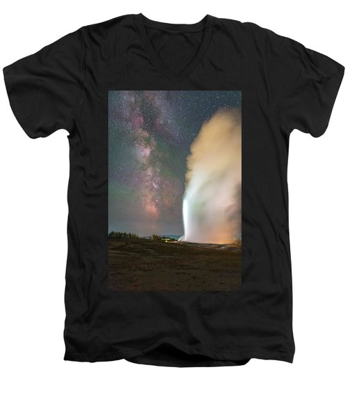 Old Faithful Erupts At Night Men's V-Neck T-Shirt