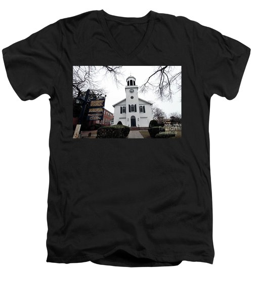 St. Georges Church Episcopal Anglican Men's V-Neck T-Shirt