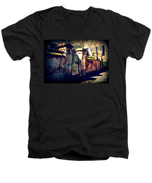 Old Iron Gate In Charleston Sc Men's V-Neck T-Shirt