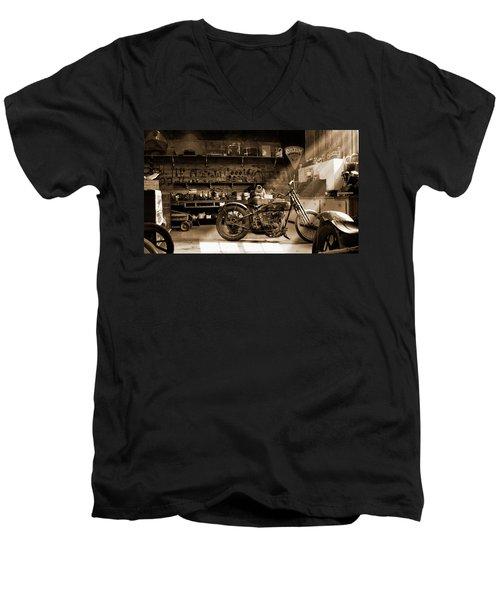 Old Motorcycle Shop Men's V-Neck T-Shirt