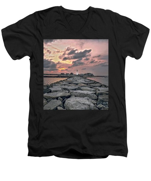 Old Scituate Light At The End Of The Jetty Men's V-Neck T-Shirt