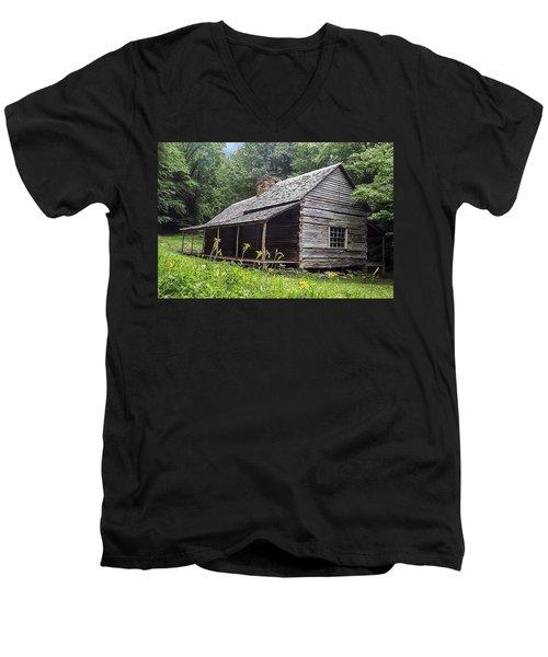 Old Settlers Cabin Smoky Mountains National Park Men's V-Neck T-Shirt