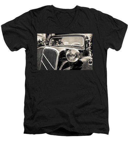 Citroen Traction Avant Men's V-Neck T-Shirt