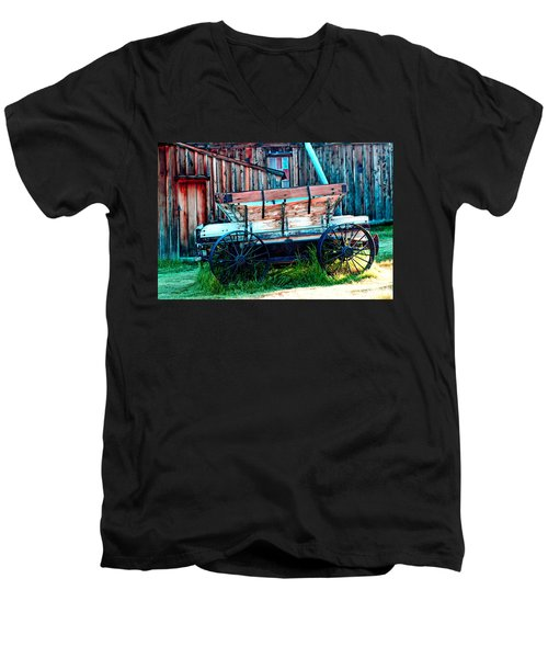 old Wagon In Bodie Men's V-Neck T-Shirt