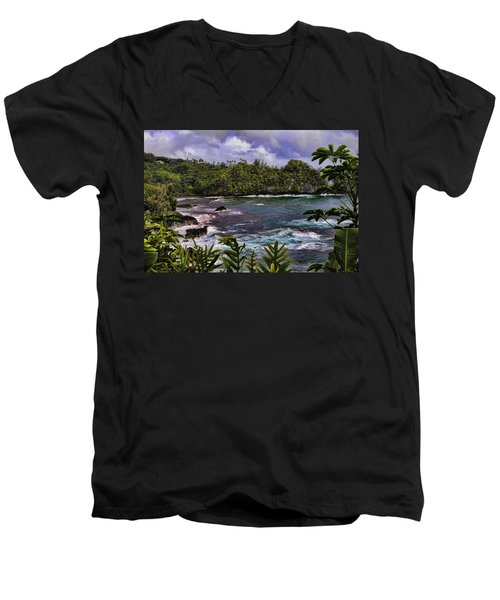 Onomea Bay Hawaii Men's V-Neck T-Shirt