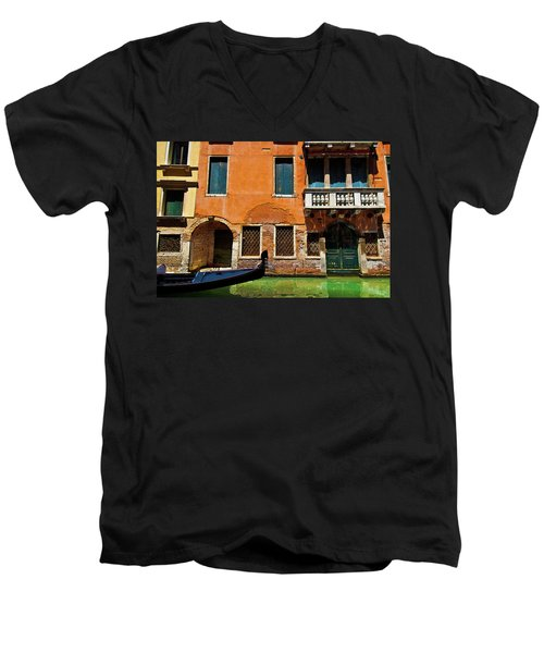Orange Building And Gondola Men's V-Neck T-Shirt