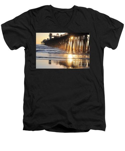 O'side Pier Men's V-Neck T-Shirt