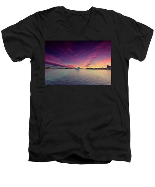 Oslo Harbor Men's V-Neck T-Shirt