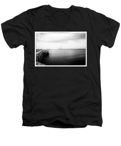 Ostend Men's V-Neck T-Shirt