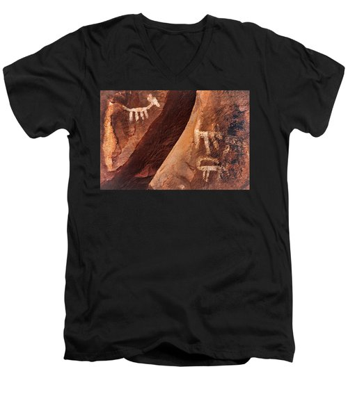 Palatki Pictographs9 Pnt Men's V-Neck T-Shirt