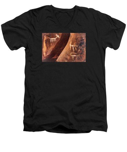 Palatki Pictographs9 Pnt Men's V-Neck T-Shirt