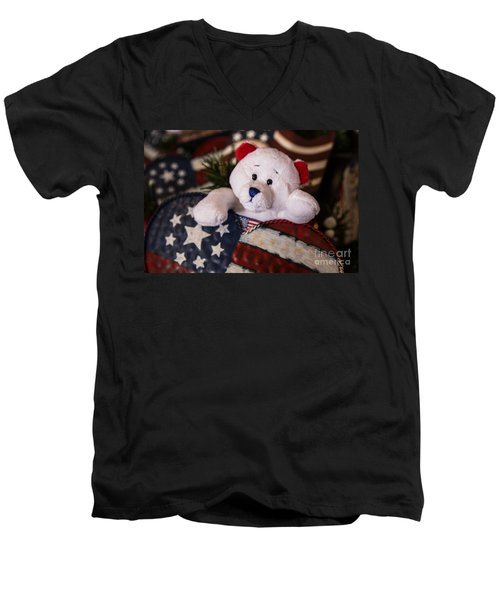 Patriotic Teddy Bear Men's V-Neck T-Shirt