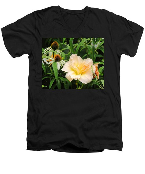 Peach Day Lily Men's V-Neck T-Shirt