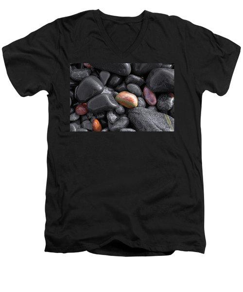 Pebble Jewels   Men's V-Neck T-Shirt
