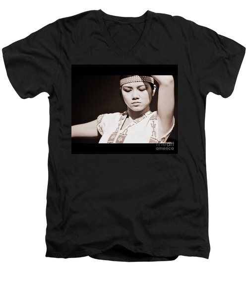 Philippino Dancer Men's V-Neck T-Shirt