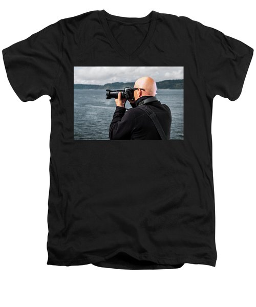 Photographer At Work Men's V-Neck T-Shirt