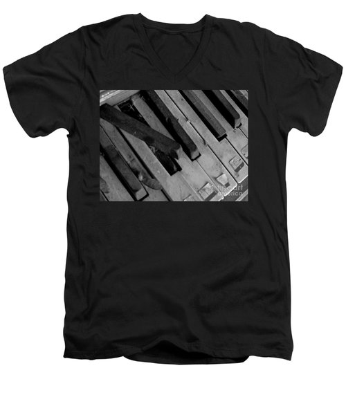 Piano2 Men's V-Neck T-Shirt