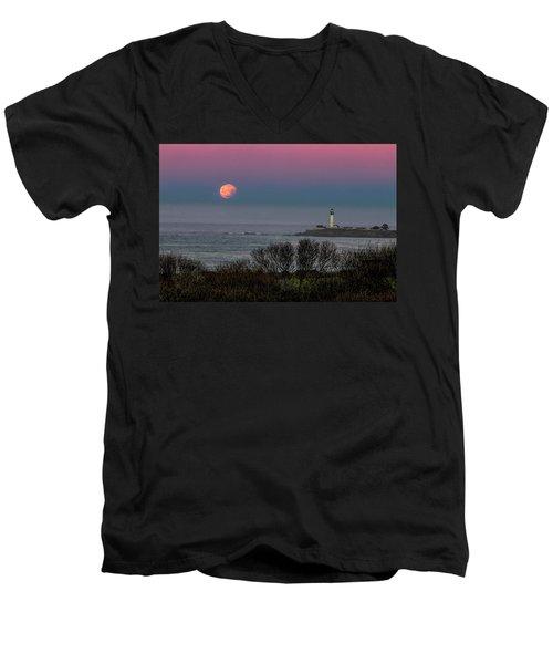 Pigeon Point Supermoon Men's V-Neck T-Shirt