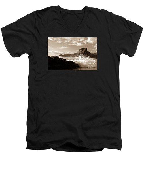 Piha New Zealand Waves Men's V-Neck T-Shirt by Yurix Sardinelly