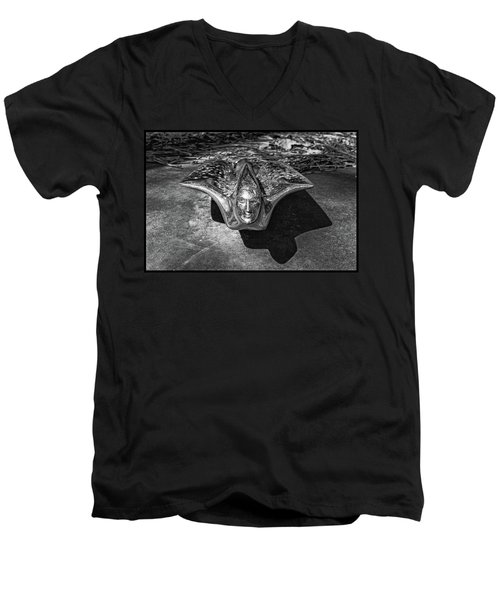 Pontiac Hood Ornament Men's V-Neck T-Shirt