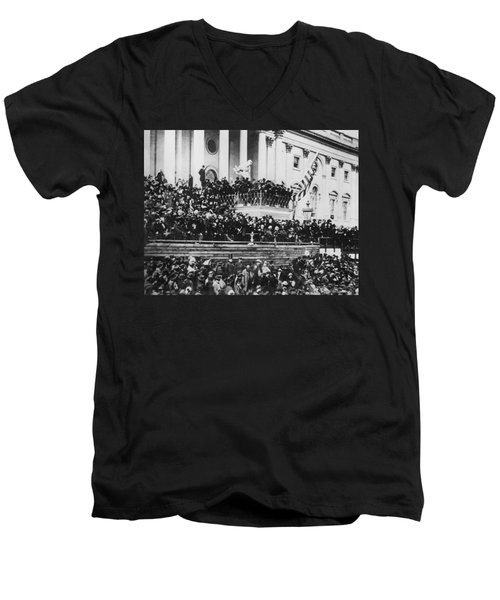 President Lincoln Gives His Second Inaugural Address - March 4 1865 Men's V-Neck T-Shirt