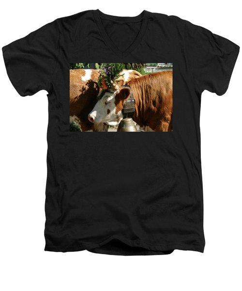 Pretty Girl - Men's V-Neck T-Shirt