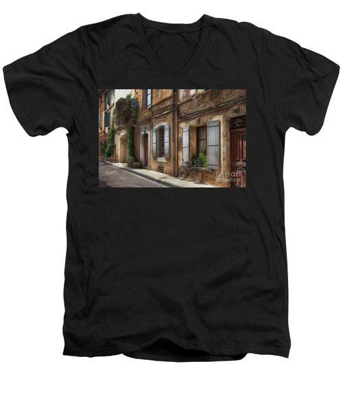 Provence Street Scene Men's V-Neck T-Shirt