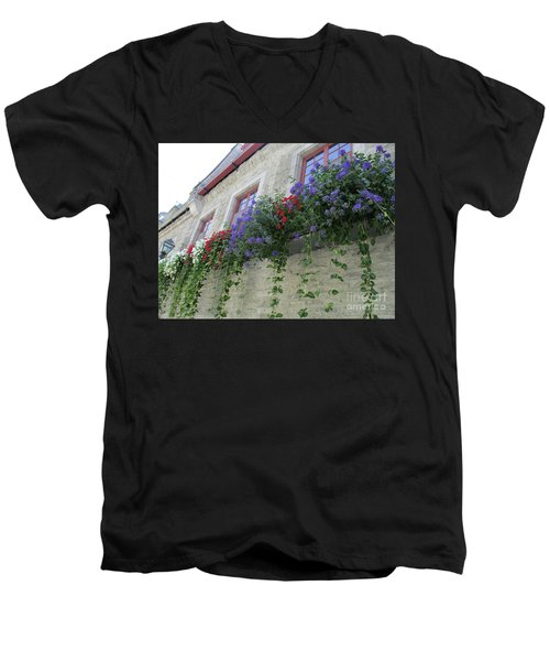 Quebec City 49 Men's V-Neck T-Shirt