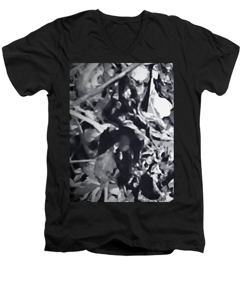 Queen Of Throne Men's V-Neck T-Shirt by Gina O'Brien