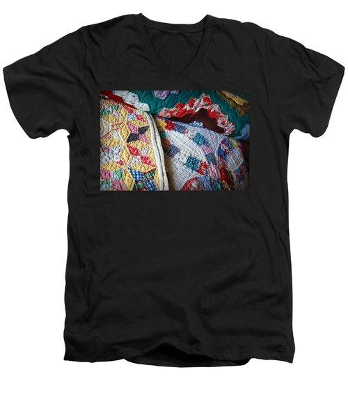 Quilted Comfort Men's V-Neck T-Shirt