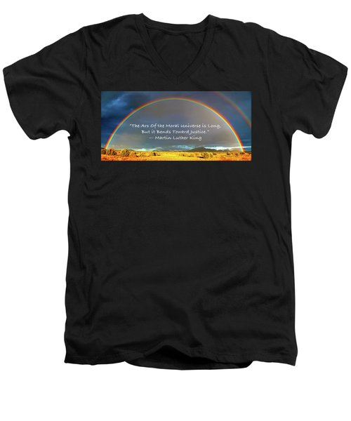 Martin Luther King - Justice Men's V-Neck T-Shirt