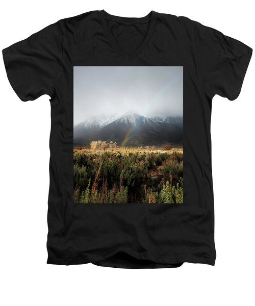 Rainbow In Eastern Sierra Nevadas Men's V-Neck T-Shirt