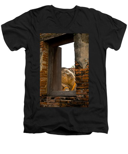 Reclining Buddha View Through A Window Men's V-Neck T-Shirt
