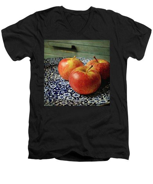 Red Apples Men's V-Neck T-Shirt