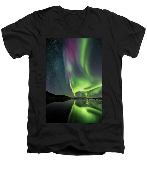 Red Auroras And A Faint Milky Way Men's V-Neck T-Shirt