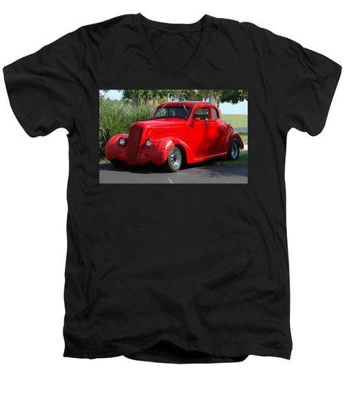 Red Car Men's V-Neck T-Shirt