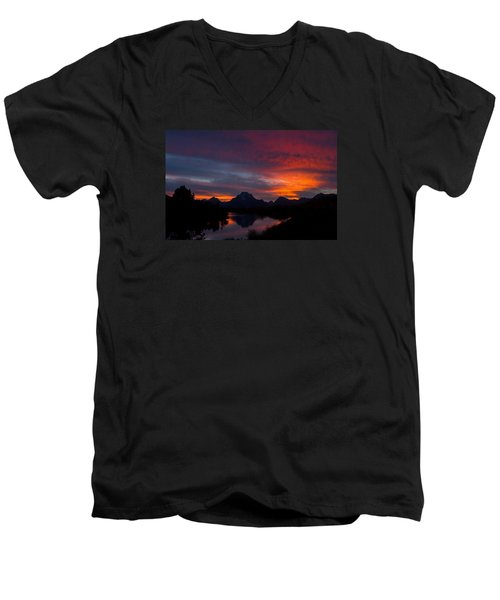 Red Sky At Oxbow Men's V-Neck T-Shirt