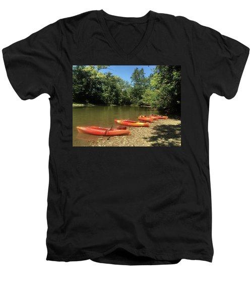 Resting Kayaks Men's V-Neck T-Shirt
