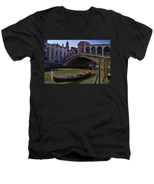 Rialto Bridge In Venice Italy Men's V-Neck T-Shirt